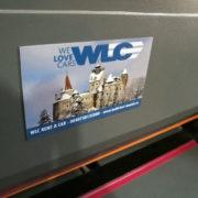 magneti-personalizati-aplicat-pe-suport-metalic